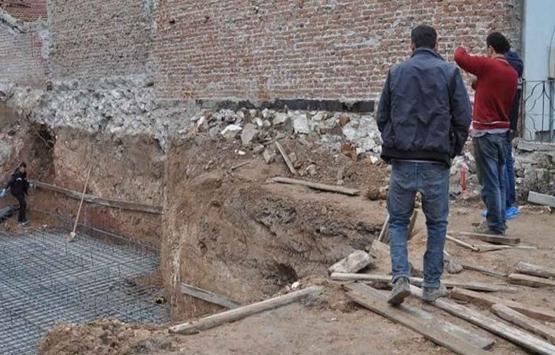 Eskişehir'de sıva yaparken yere düşen inşaat işçisi yaralandı!