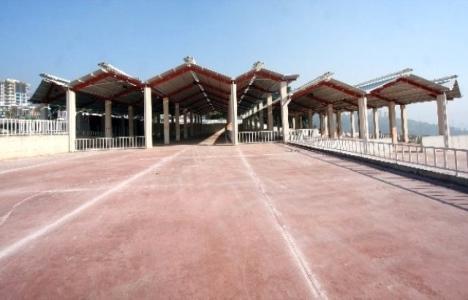 İzmir Bayraklı'ya kapalı pazar yeri inşa ediliyor!