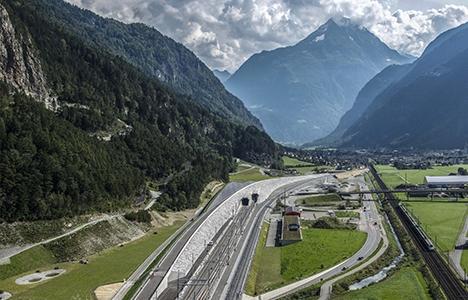 Gotthard Base Tüneli'nde