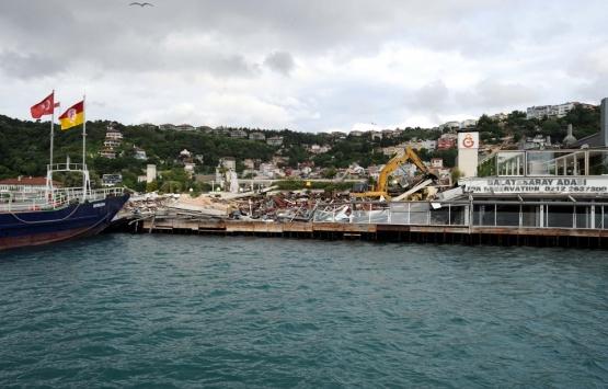 Galatasaray Adası'ndaki yapılar