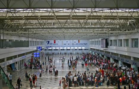 Antalya Havalimanı yolcu