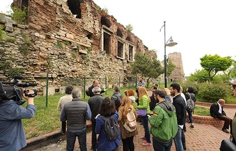 Mimarlar, İstanbul surlarını yerinde inceledi!