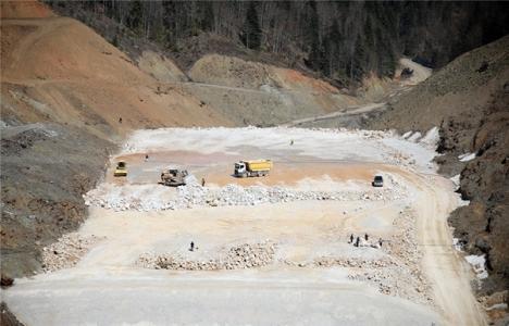 Akçay Barajı'nın gövdesi