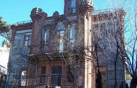 Lev Troçki'nin 150 yıllık evi 12 milyon TL'ye satılıyor!