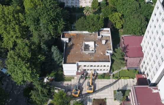 Bursa'daki riskli bina yıkıldı!