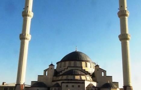 Van'daki 2 bin 500 kişilik cami açıldı!