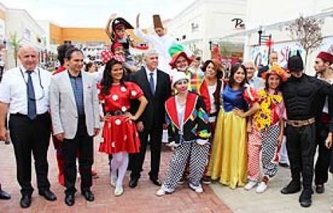 Festiva Outlet Alışveriş Merkezi'nin 8'incisi dün Uşak'ta açıldı!