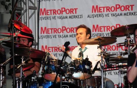 Mustafa Ceceli Bahçelievler Metroport AVM'de konser verdi!