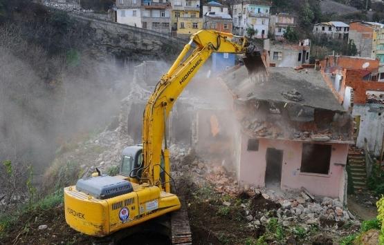Türkiye'de 631 bin deprem riskli binanın 515 bini yıkıldı!