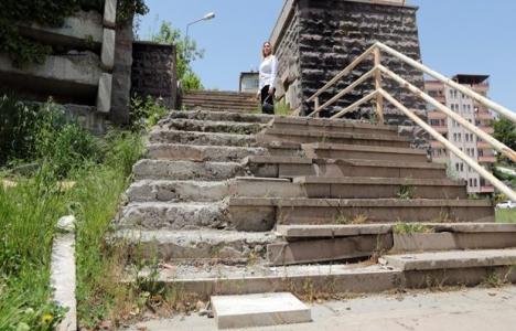 Dikmen İlkadım'da merdiven