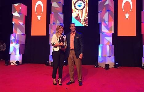 Evrim Kırmızıtaş gayrimenkul satışında dünya şampiyonu oldu!