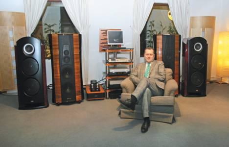 Laz müteahhit Orhan Aydoğan Princess Otel'in kumarhanesini müzik stüdyosuna çevirdi!