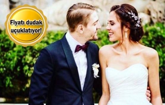 Caner Erkin Şükran Ovalı'ya Çeşme'de villa alacak!