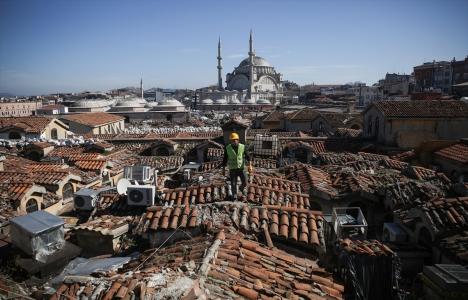 Tarihi Kapalıçarşı'nın çatısında