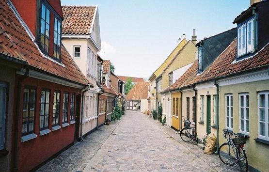 Danimarka'da gettolar için yer değiştirme hibeleri tartışma yarattı!