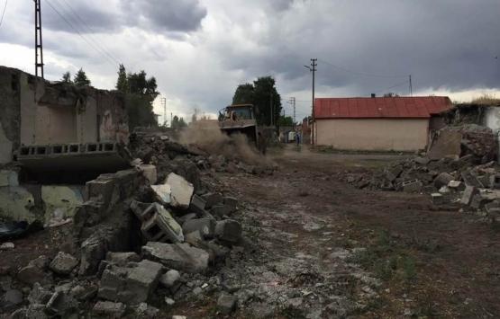 Kars'ta metruk binalar ortadan kaldırılıyor!