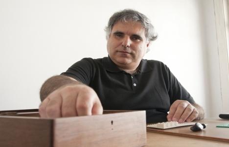 Carlos Mourao Pereira kimdir?
