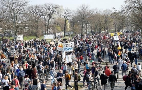 Almanya'da konut kiralarındaki artış protesto edildi!