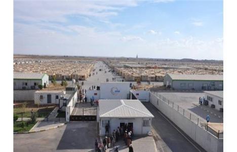 Türkiye'de 261 bin 326 Suriyeli çadır kentlerde yaşıyor!