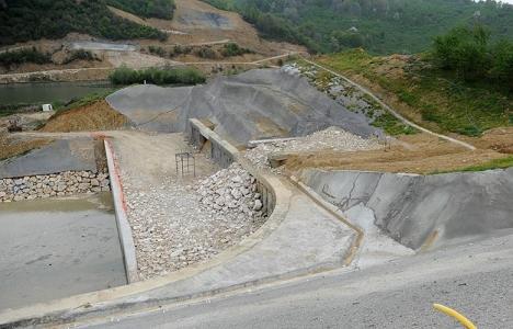 Melen Barajı'nda beton