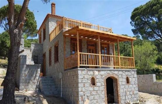 İlber Ortaylı Ayvalık'tan taş ev aldı!