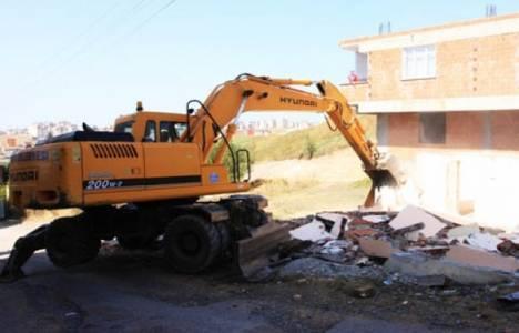Çayırova sosyo-kültürel tesis alanı için yıkım çalışmaları başladı!