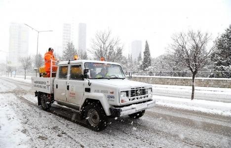 Ataşehir Belediyesi kar çalışmalarını sürdürüyor!