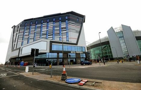 Manchester United efsaneleri futbol oteli açıyor!