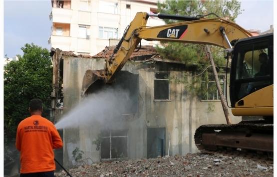 Kartal metruk bina yıkımında rekor kırdı!