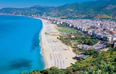 Antalya, tatille beraber yerli ve yabancı turist akınına uğradı!