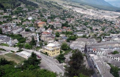 Arnavutluk'ta, Büyük Cami'nin