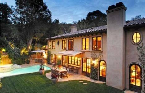 Kim Kardashian evini