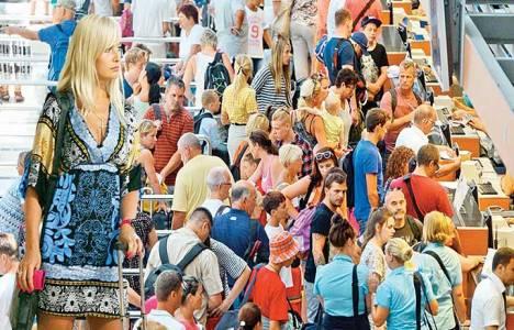 İstanbul'a her gün 30 bin turist geliyor!