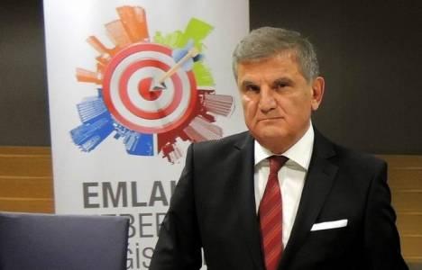 Azmi Sarıbay kimdir?