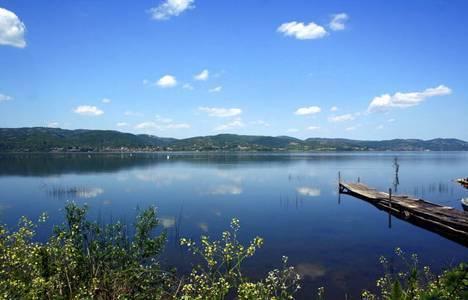 Sapanca Gölü'nde son 10 yılın en düşük su seviyesi ölçüldü!