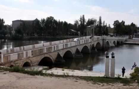 Edirne'nin asırlık köprüleri karanlığa mahkum!