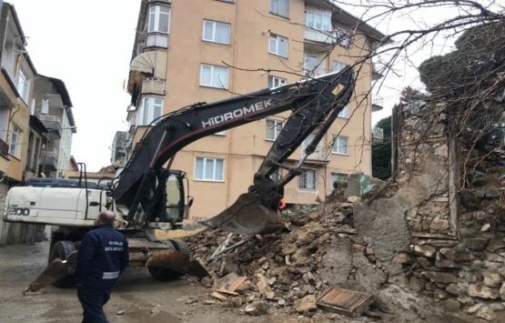 Bursa'daki tehlikeli metruk binalar yıkılıyor!