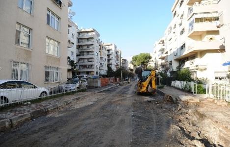 İzmir Karşıyaka'da sokaklar