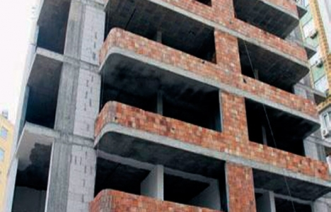 Duvar ustası 6'ncı kattan düşerek öldü!