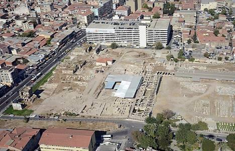İzmir Agorası kazıları