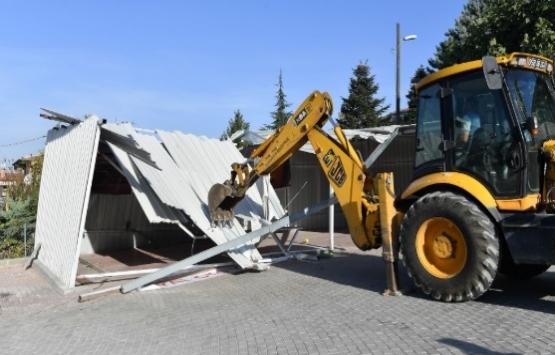 Bursa Osmangazi'deki ruhsatsız iş yeri yıkıldı!