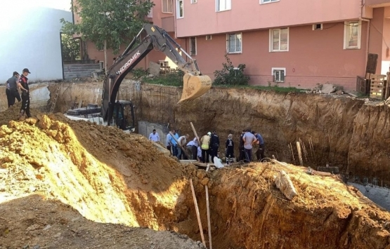 Sultanbeyli'de inşaat işçisi göçük altında kaldı!