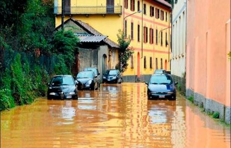 İtalya Toskana'da sel felaketi!