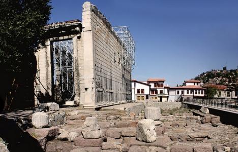 Augustus Tapınağı'nın yıkım