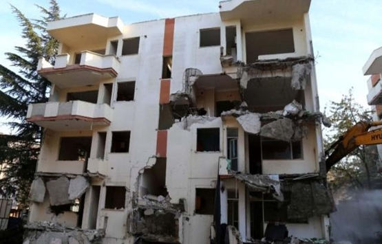 Büyükçekmece Akevler Sitesi'nin yıkımı başladı!