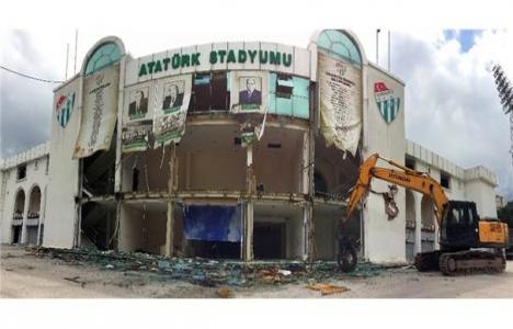 Bursa Atatürk Stadyumu'nda yıkım başladı!
