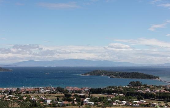 İzmir Urla'da denize sıfır Hazine arazisi kooperatife satıldı iddiası!