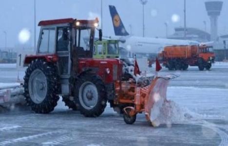 Atatürk Havalimanı'nda karla mücadele için kar timleri bekliyor!