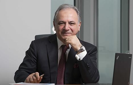 Haluk Sur, Moody's'in