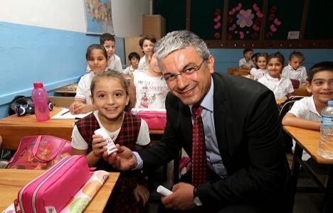 Karşıyaka'da eğitim yuvalarına 2 milyon liralık yatırım yapıldı!
